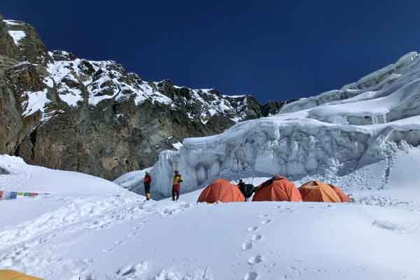 Himlung (7126m) Expedition
