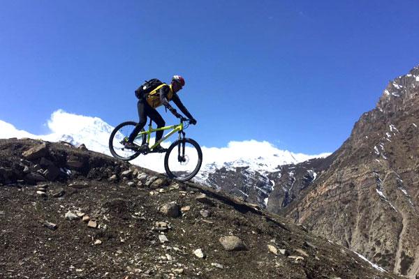 Cycling Around Annapurna Circuit